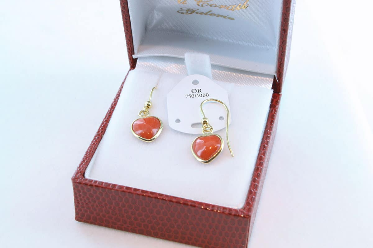 boucles d'oreilles en corail rouge et or 750 par 1000 BO-CO-OR-004