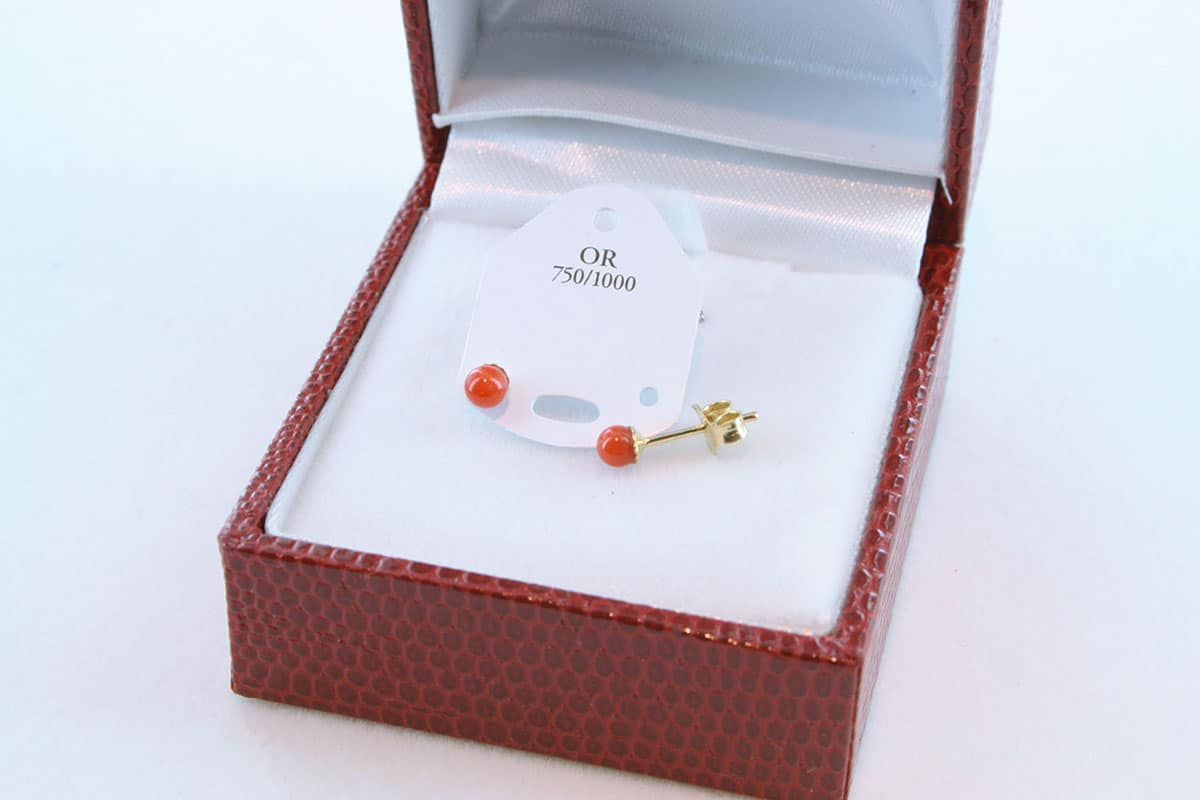 boucles d'oreilles en corail rouge et or 750 par 1000 BO-CO-OR-009