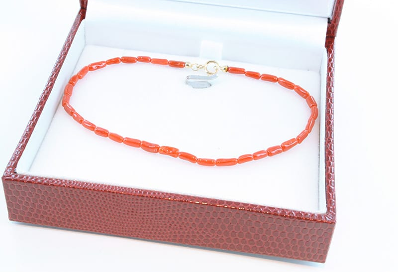 Bracelet corail rouge et or 011