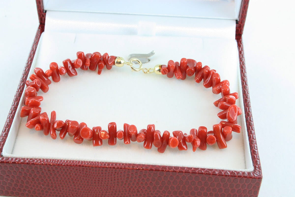 bracelet en corail rouge de premier choix et or 750 par 1000 BR-CO-OR-014
